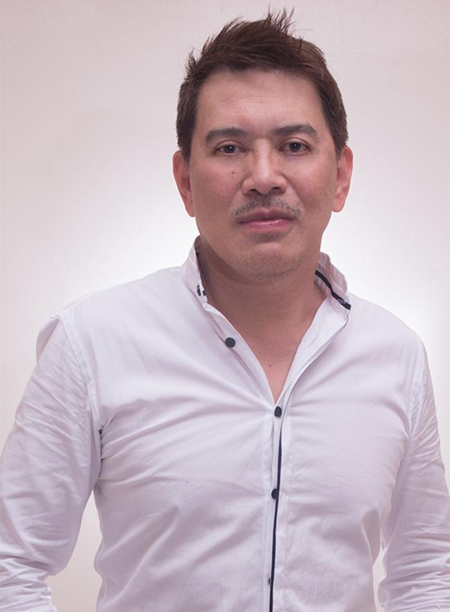 ブリランテ・メドーサ監督